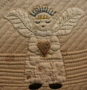 love this angel quilt!