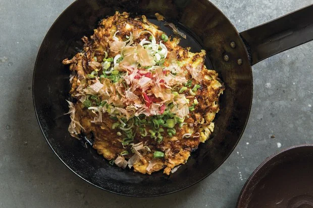 Okonomiyaki With Bonito Flakes Recipe In 2020 Recipes Star Food Eat