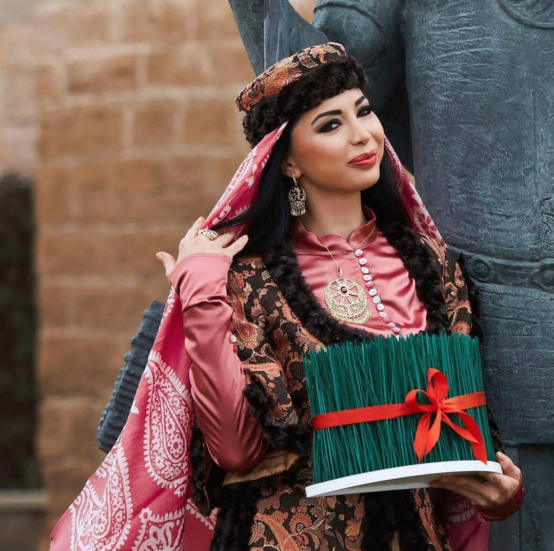 Pin By Fatimə Qasimzadə On Azerbaijan Tradional Clothing Azerbaijan National Costume Azerbeycan Yoresel Traditional Outfits Turkish Culture Traditional Looks
