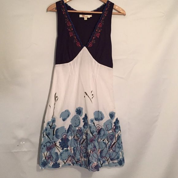 Aryeh Summer Dress - Size Medium Cute summer dress by Aryeh. Like new condition. Light weight cotton with sweet embroidered design on skirt and neckline.  Aryeh Dresses Midi