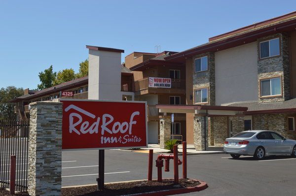 Affordable Pet Friendly Hotel In Sacramento California Red Roof Inn Suites