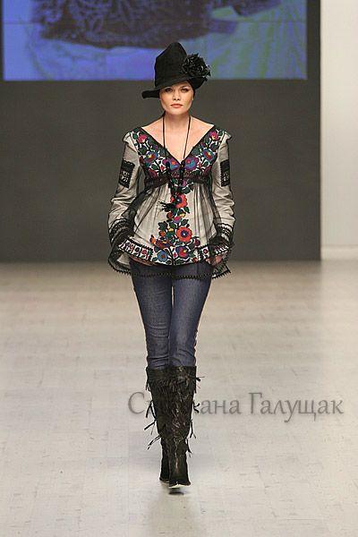 Gallery.ru / Фото #15 - Вишиванки від Роксолани Богуцької (знайдено в інтернеті) - svetik67