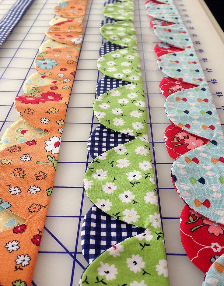 Super fun dual-colored continuous scallops edge for your quilts ... : quilt borders pinterest - Adamdwight.com