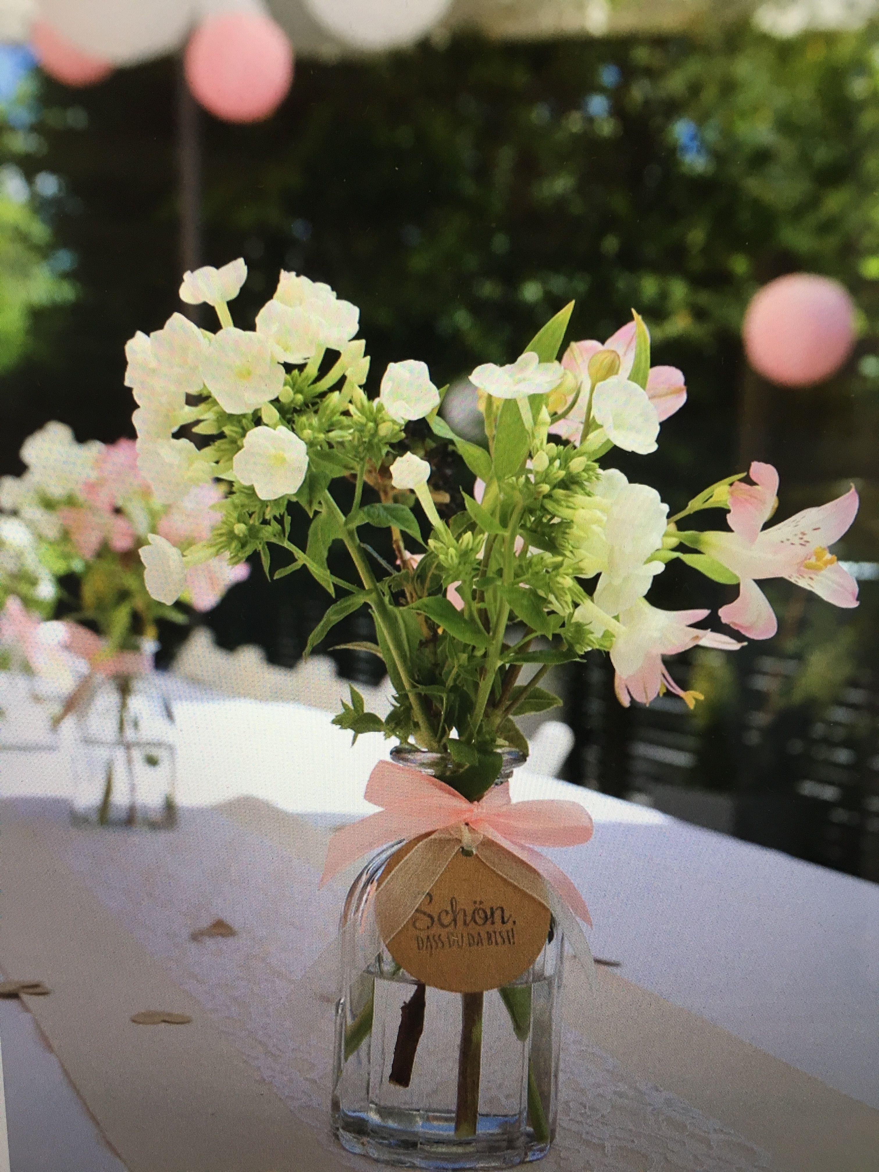 Schön, dass du da bist! Vintage-Vasen zum Verleih im