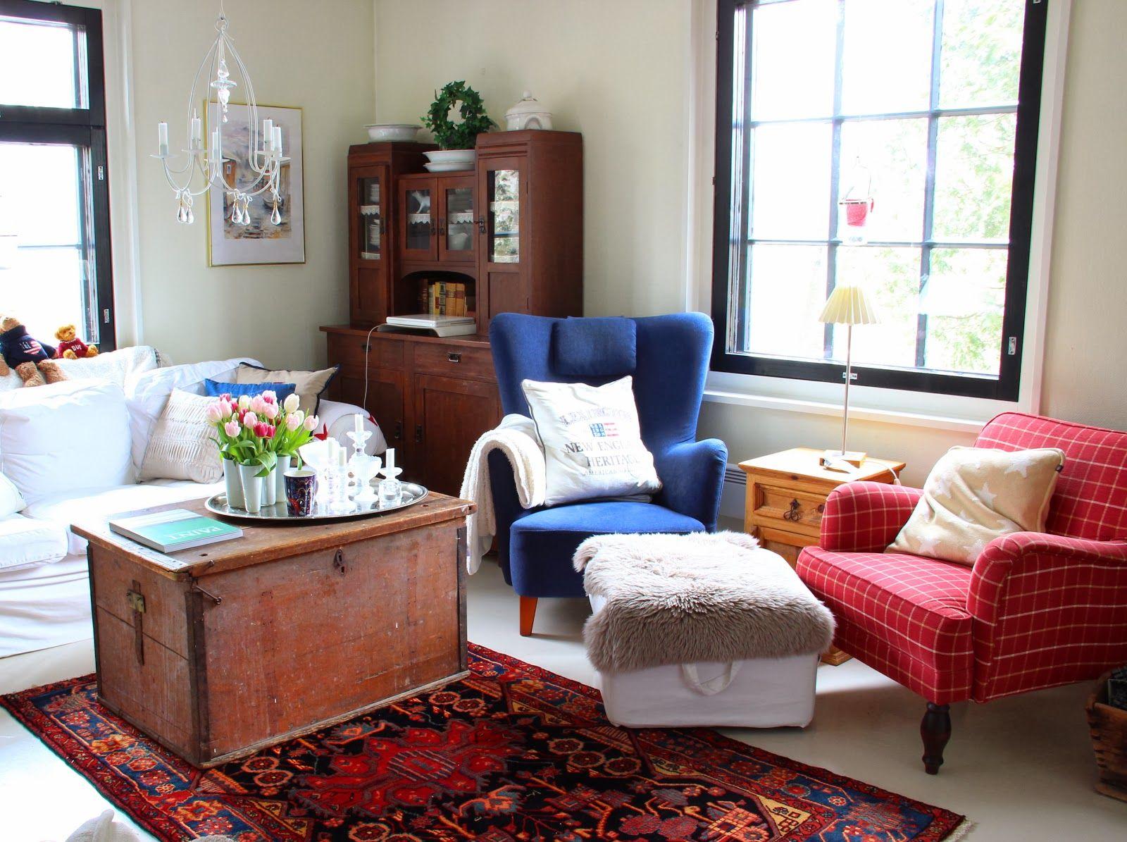 Living room: Oriental rug