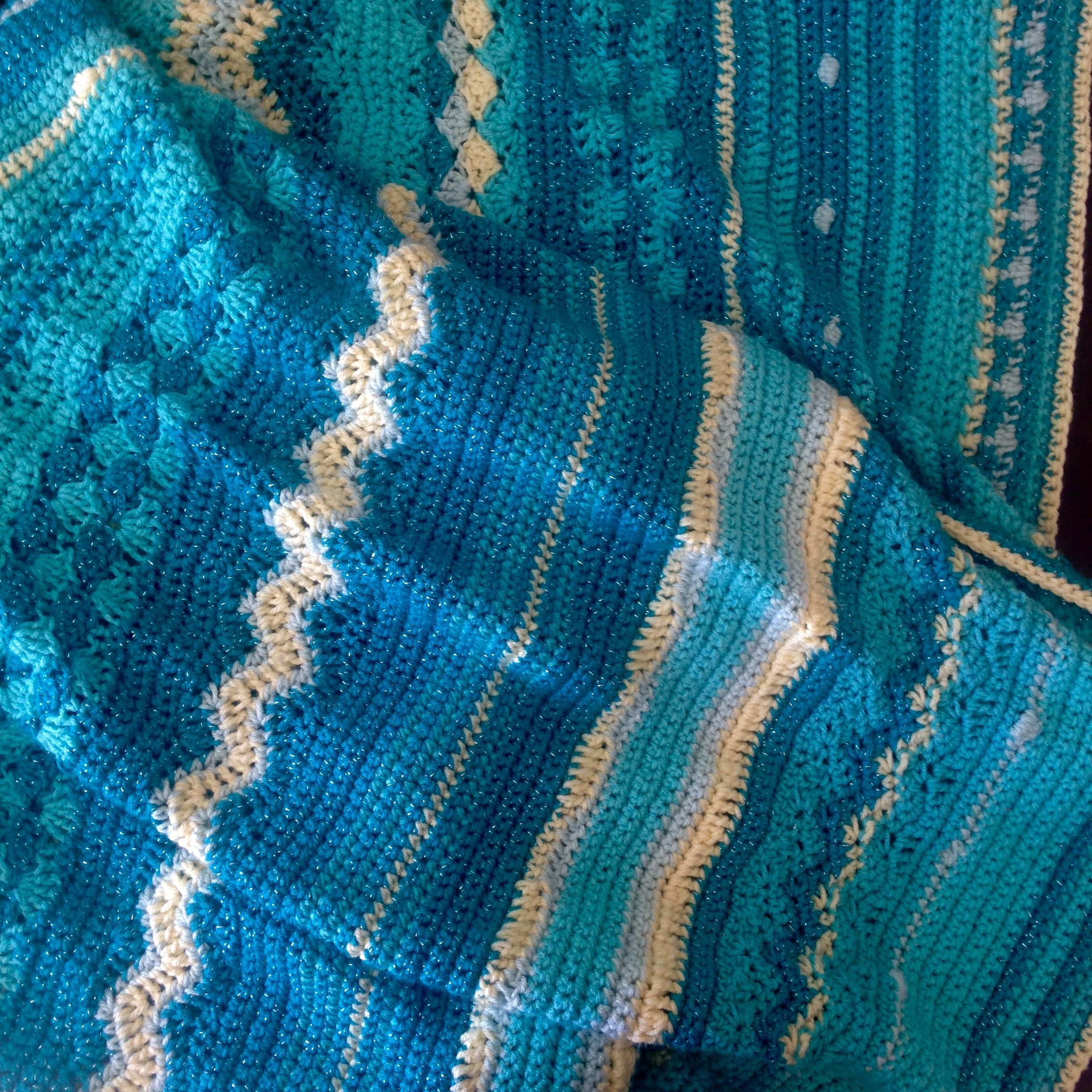 Seaside Mixed-Stitch blanket in \