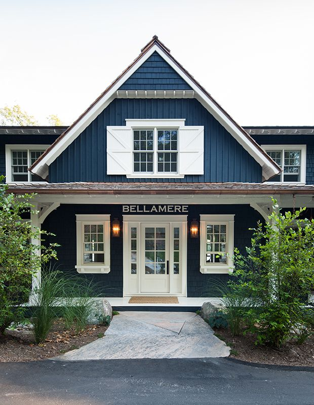 Explore 80 Of The Best Canadian Cottage Rooms From House Home Cottage Exterior Modern Farmhouse Exterior Exterior House Colors