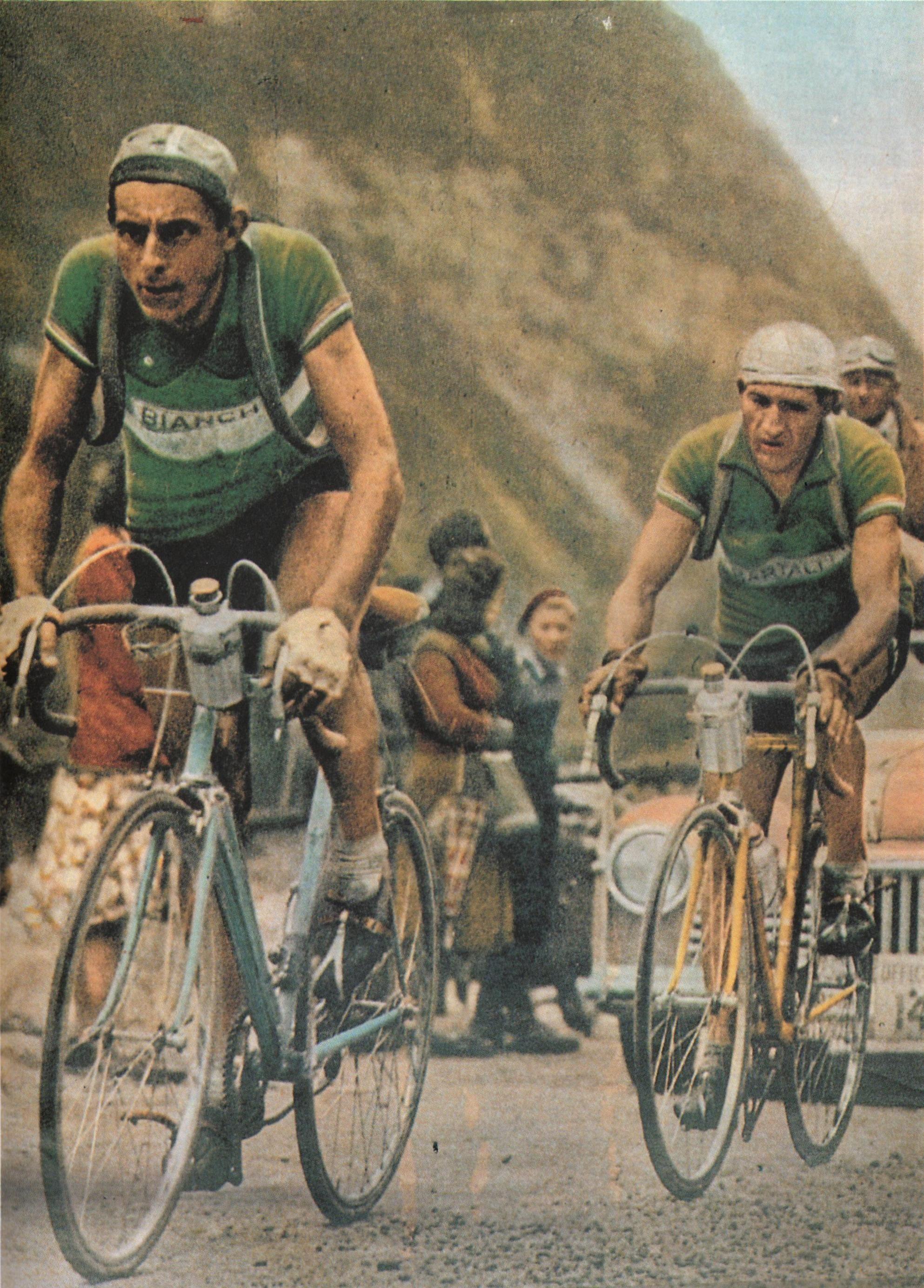 Tour de France 1949. 16^Tappa, 18 luglio. Cannes > Briançon. Col d'Izoard. Fausto Coppi (1919-1960) e Gino Bartali (1914-2000)