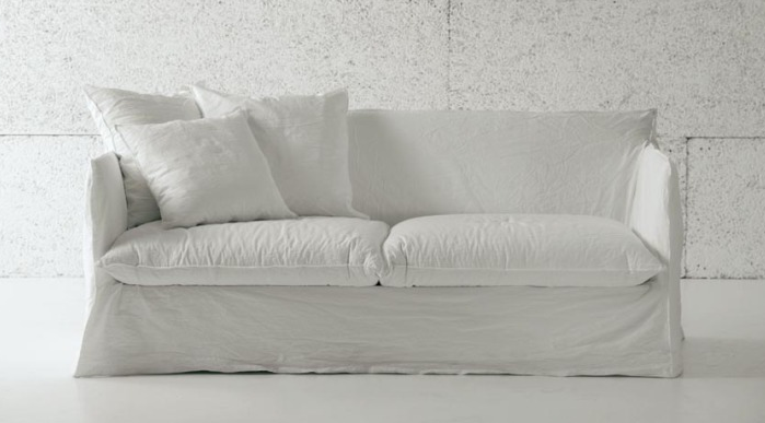 10 Easy Pieces The Perfect White Sofa Remodelista White Sofas 3 Seater Sofa Bed Sofa Bed