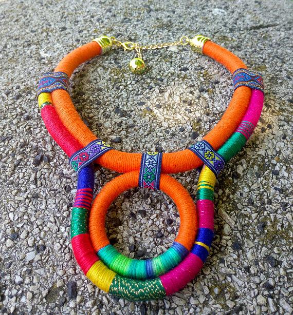 Declaración collar babero colorido collar africano envuelto