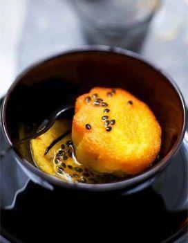 Baba au rhum, ananas et fruit de la passion pour 6 personnes - Recettes Elle à Table #babaaurhumrecette