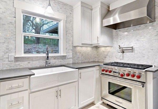 Design l gant cuisine tuile dosseret blanc cuisine for Decoration cuisine dosseret