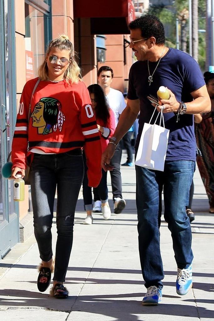 688104ae Sofia Richie wearing Fendi Mini 3jours Crossbody Bag, Gucci 10mm Princetown  Rose…