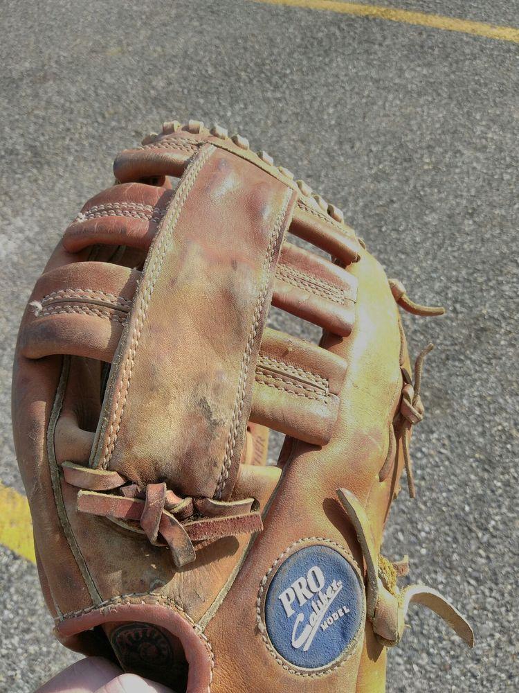 Spalding Pro Caliber B 120 Baseball Glove Mitt Cabretta Leather 42 717 12 Baseball Glove Spalding Baseball Equipment
