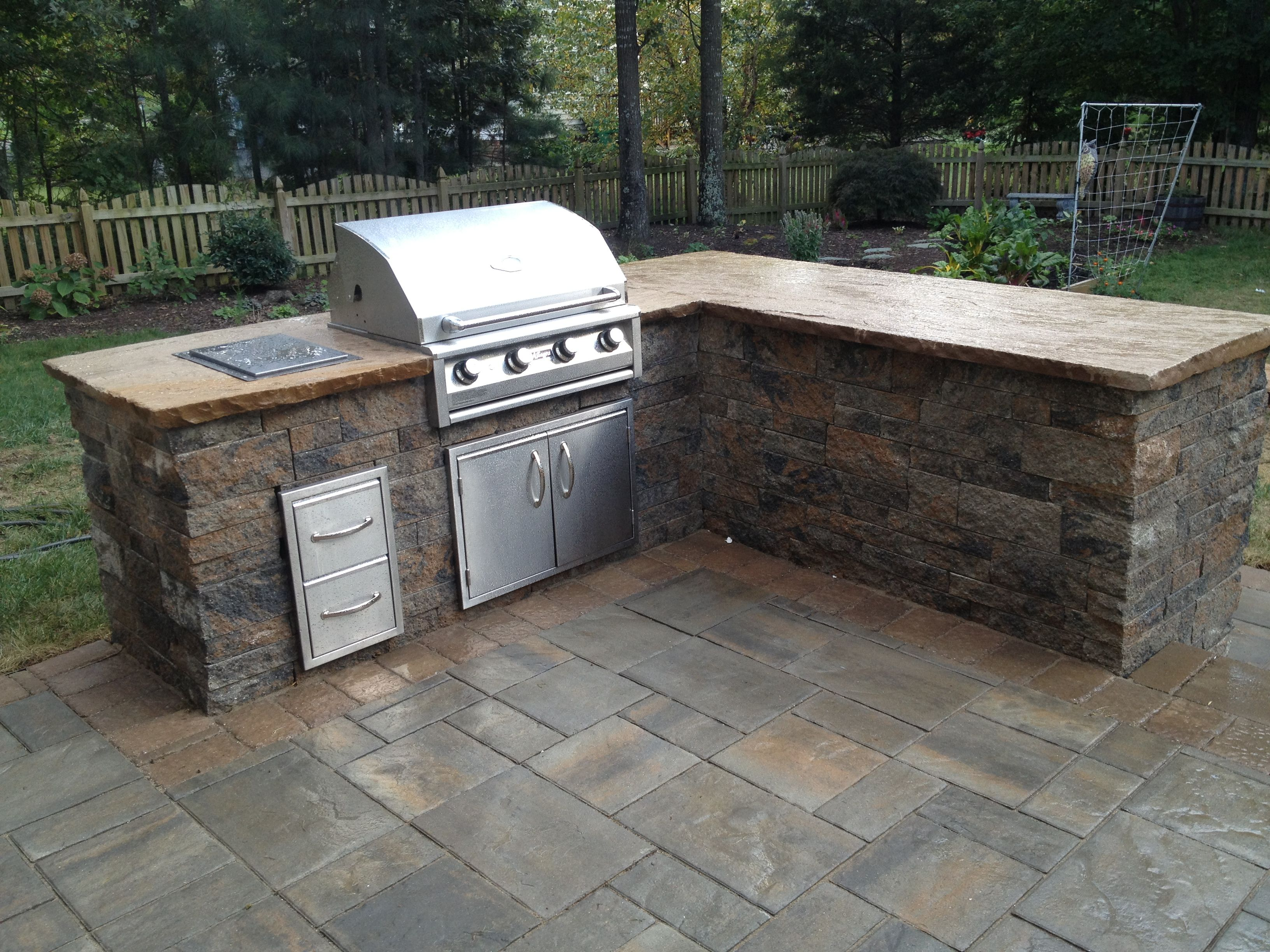 Side Burner Drawers And A Fantastic Grill Outdoor Kitchen Outdoor Decor