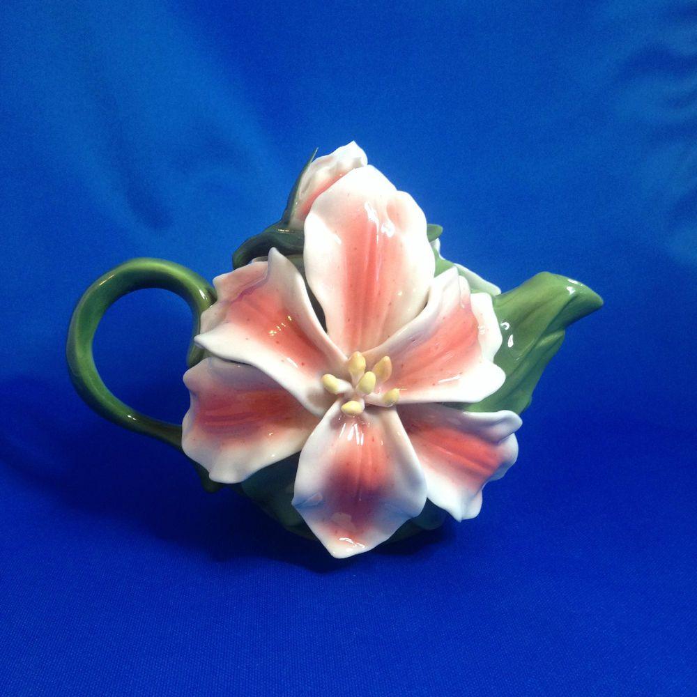 Teapot Lilies Pink White Lily Flowers On Green Tea Pot