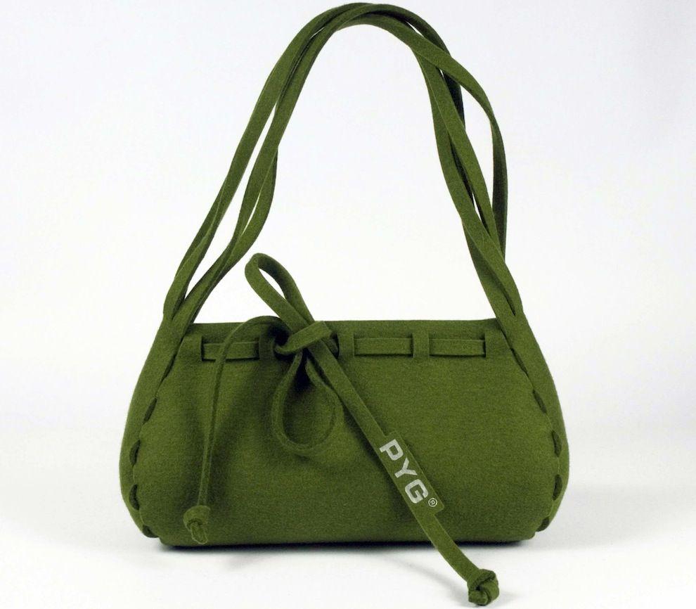 Eine grüne Tasche aus Filz von PYG