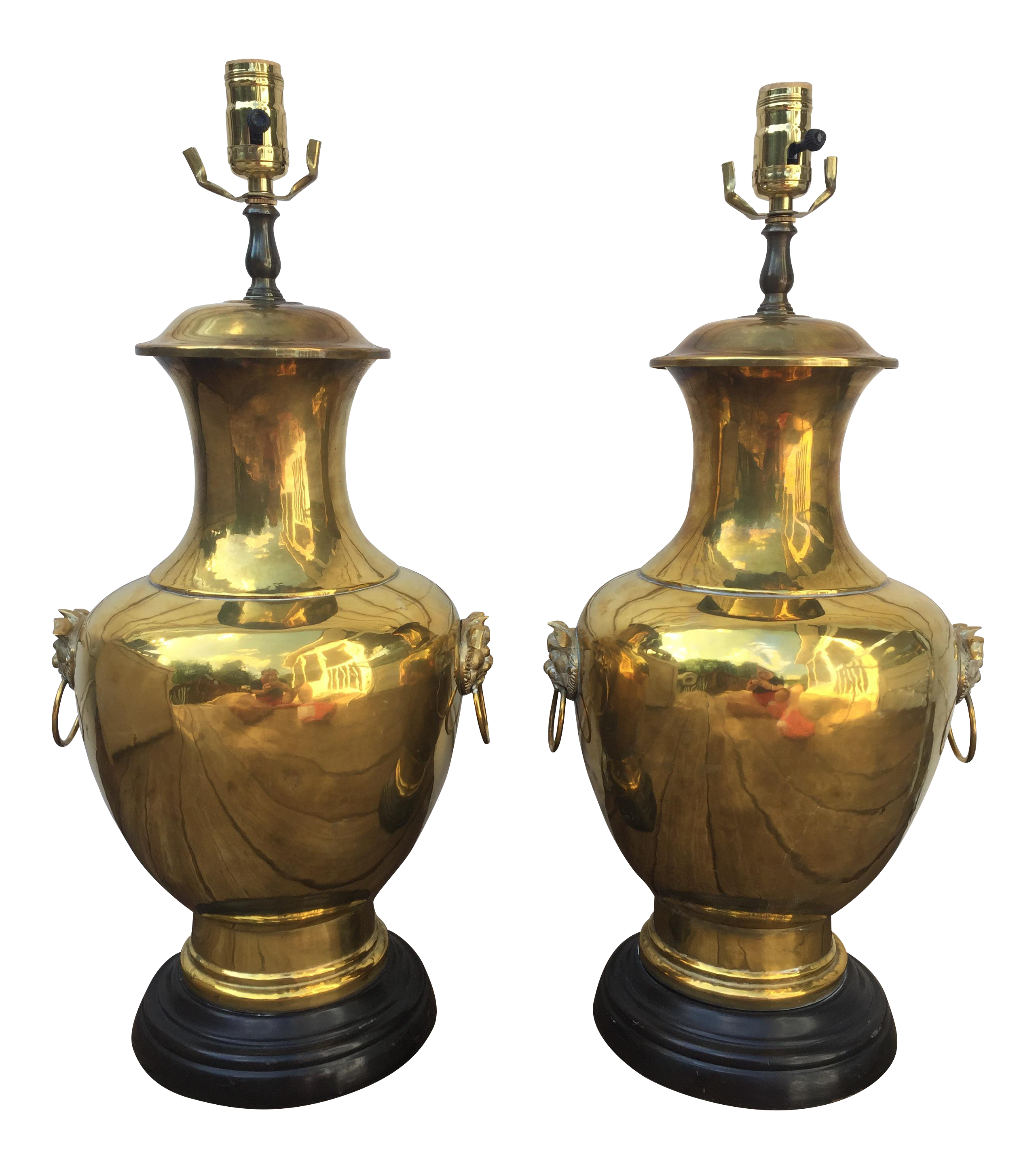 Stunning And Stately Pair Of Vintage Brass Urn Table Lamps With Decorative Dual Sided Foo Dog Ring Handles The Classic Hollywood Dog Lamp Beautiful Lamp Lamp
