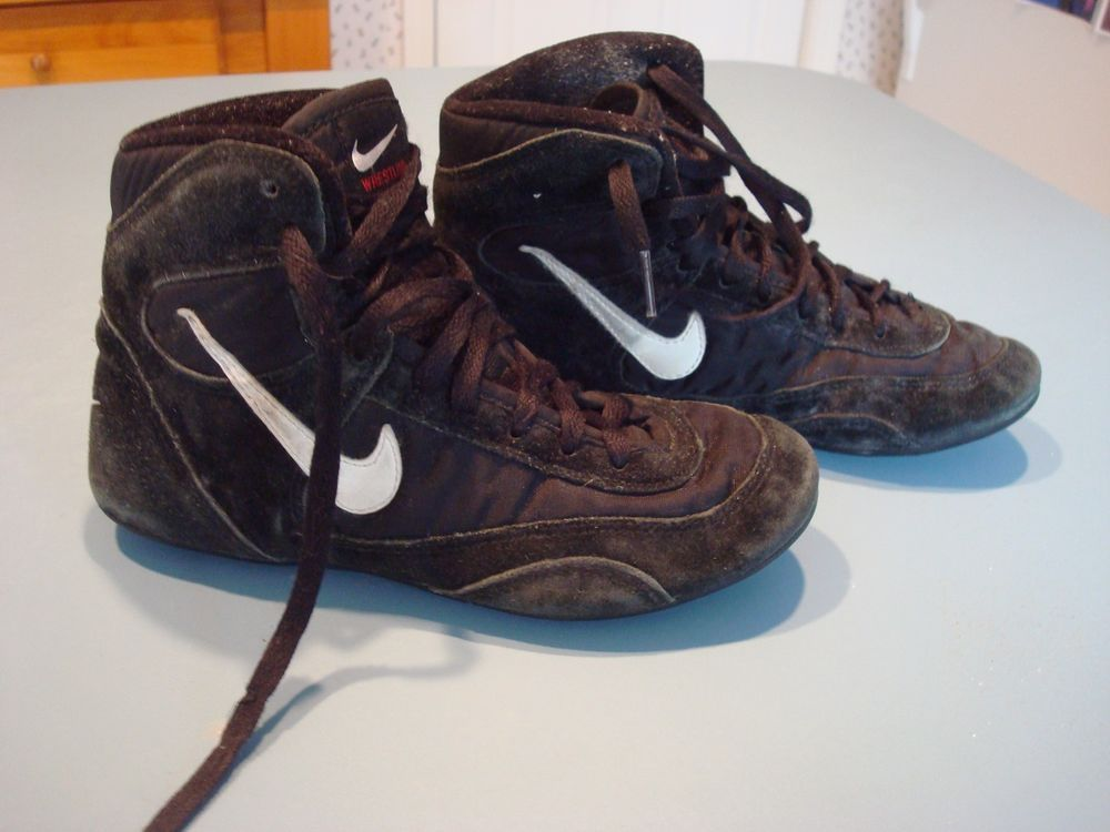 Nike speedsweeps rare og size 6 youth wrestling shoes black worn ...