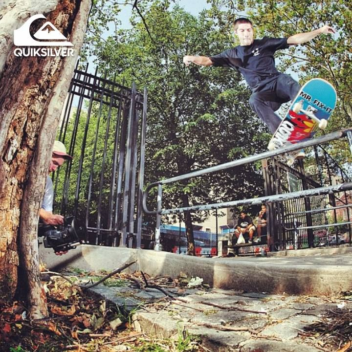 ¿Vamos a rodar? #ActitudQuik #Quiksilver #Skate