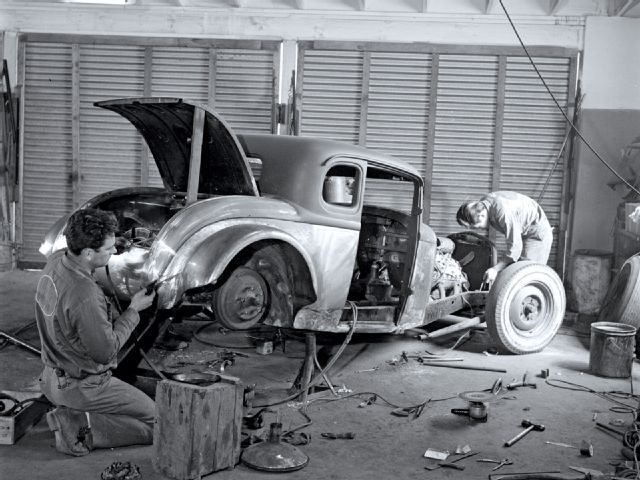 Old Time Photos Vintage Photos Of Hot Rod Workshop Action From