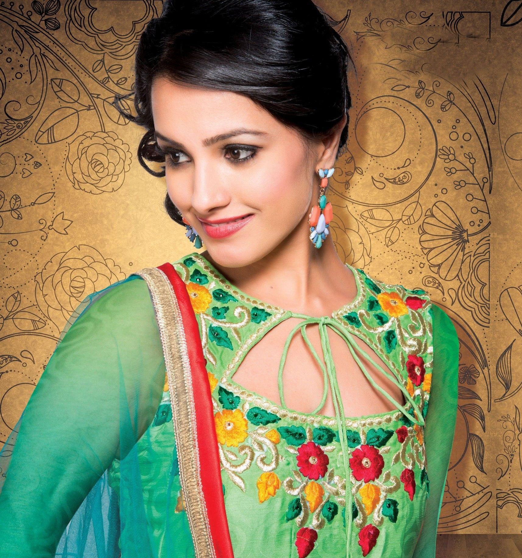Bollywood Actress Anita Hassanandani Prettiest Actresses Bollywood Actress Aunty In Saree