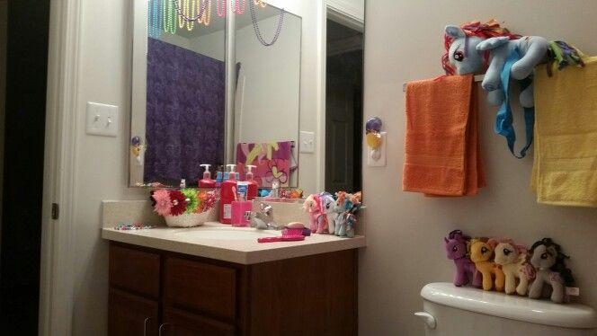 Diy My Little Pony Bathroom Theme With Images Girls Bathroom