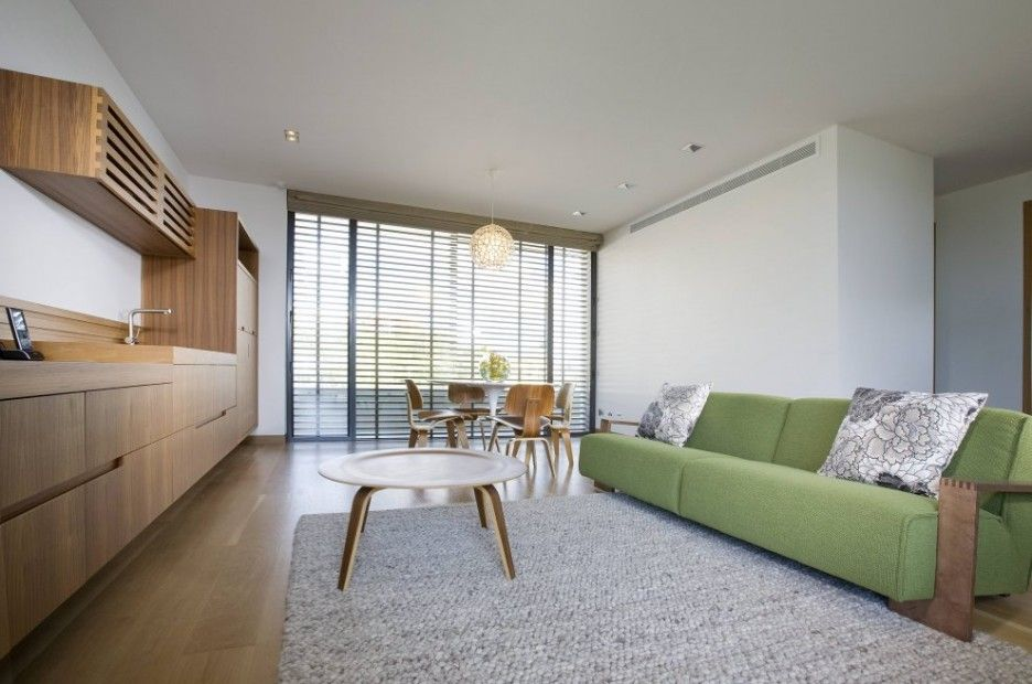 Modern Interior Design Of Beach House With Fabric Green Couch And Grey  Carpet Also Natural Wood Floating Cabinets Desoration Ideas: Luxurious  Queensland ...