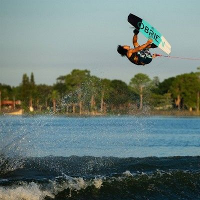 OBrien Valhalla Wakeboard with Clutch Bindings