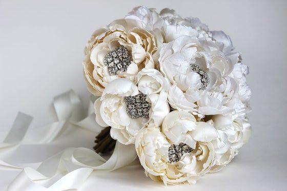 Bouquets #whitebridalbouquets