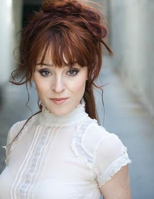 Rowena Ruth Connell Ruth Connell Rowena Macleod Pretty People