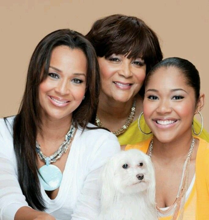 Lisa Raye and her family | A mother's love in 2019 | Mom ...