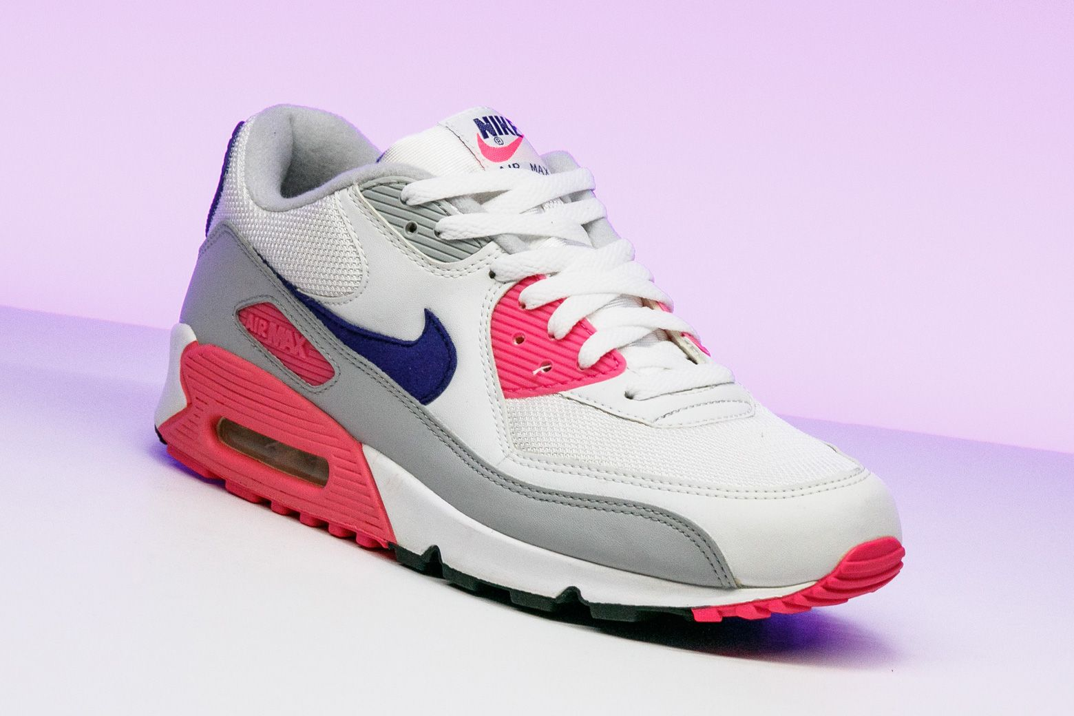huge selection of d673c 1f633 Nike Womens Air Max 90 Classic - 313098 141