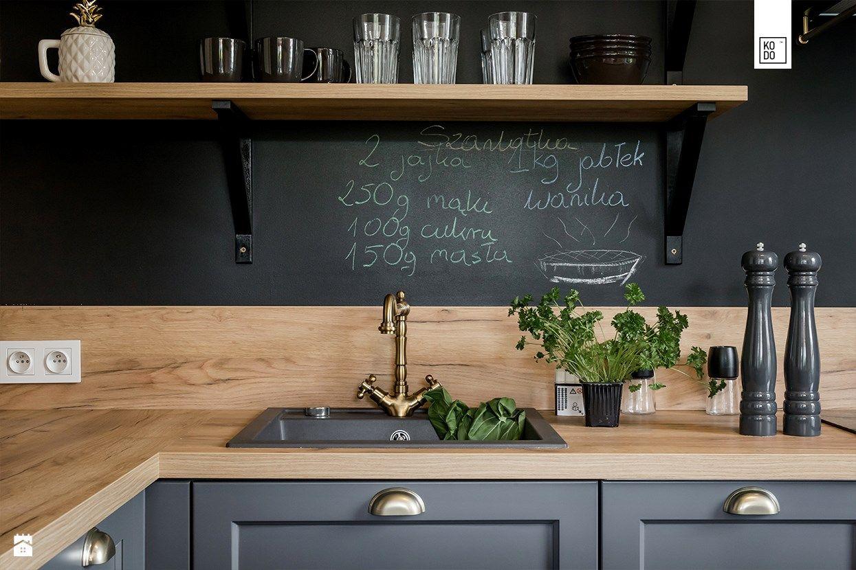 Nowoczesna Czarna Kuchnia W Stylu Loftowym Furniture Loft Apartment House Inspiration