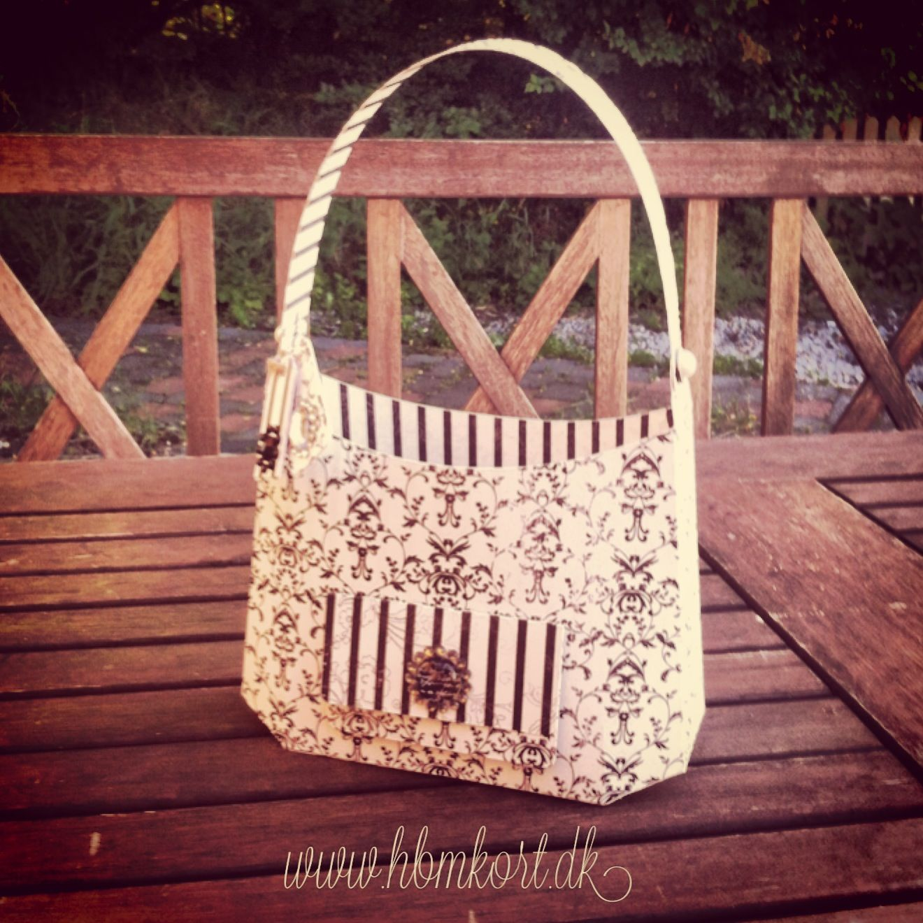 A hobo style bag. Designed by SVGCuts. Paper purse, Hobo