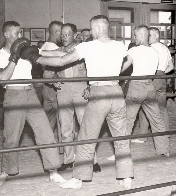 Army Boxing Training Early 50s Vintage Boxer Boxing Training A Decade