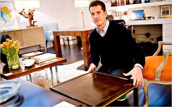 """End tables for living rooms are usually 25-30""""tall, but the arm height of most sofas is 25""""which means the table ends up being taller than the arm,not a good look.between 18 and 20 inches high usually hit the sweet spot, he said — somewhere between the top of the arm and top of the seat cushion"""
