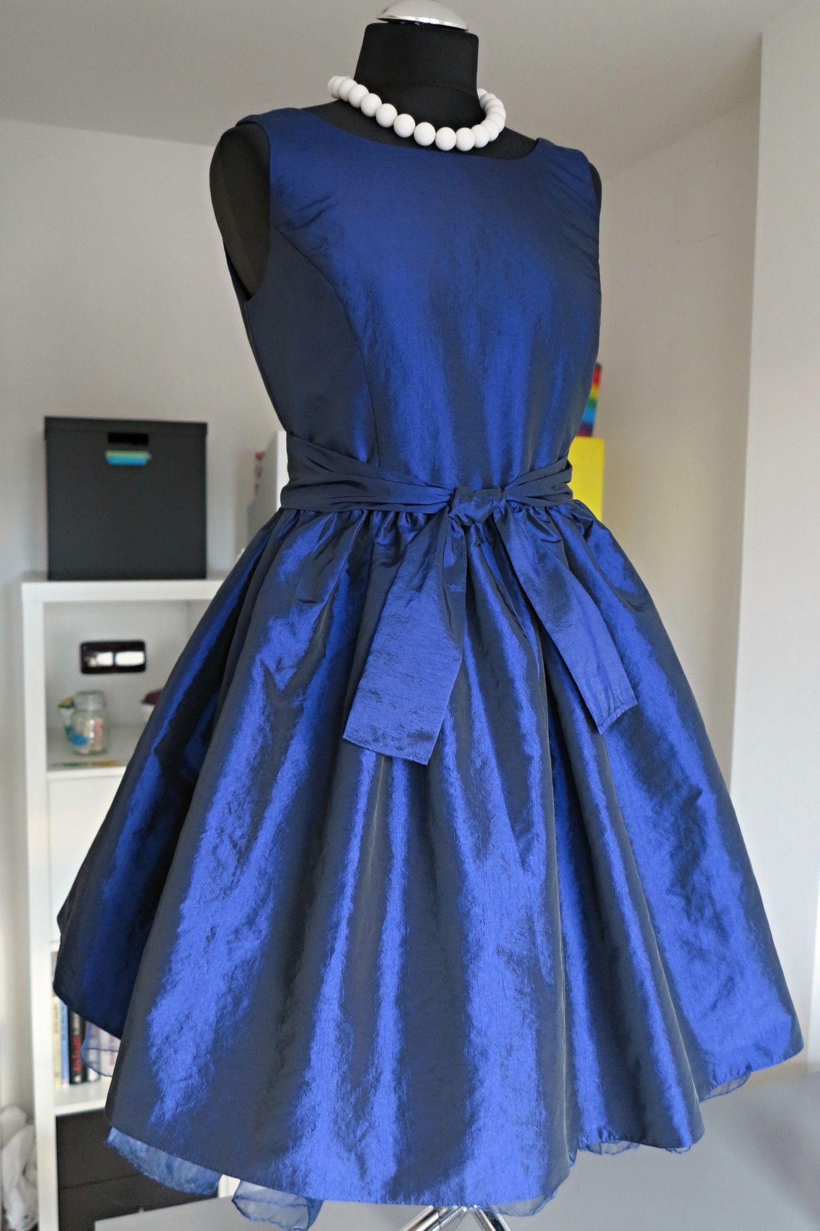 Šaty+taftové+královská+modrá cfb5fe8da2