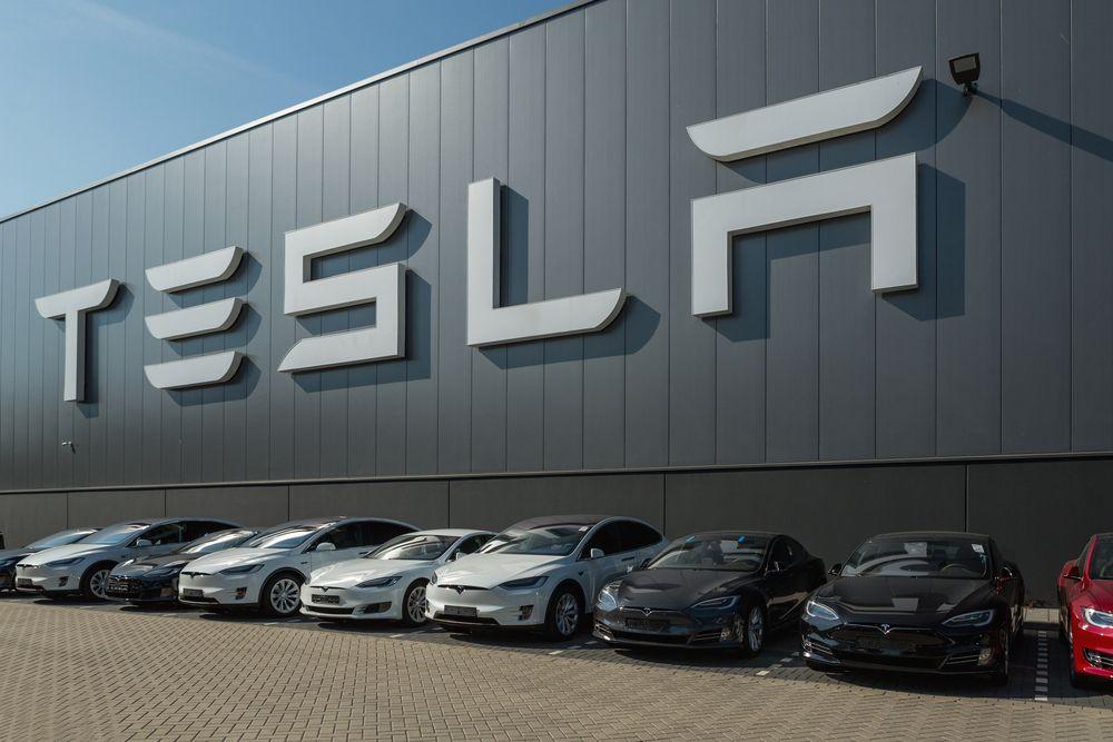 Tesla Makes A Case For The Solarcity Merger In Manifesto Tsla Scty Tesla Tesla Motors Electric Cars