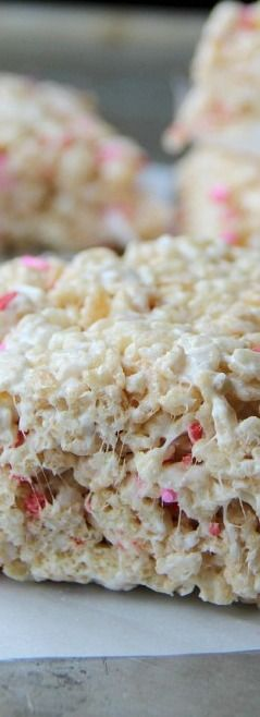Always Soft and Chewy Rice Crispy Treats #crispytreats
