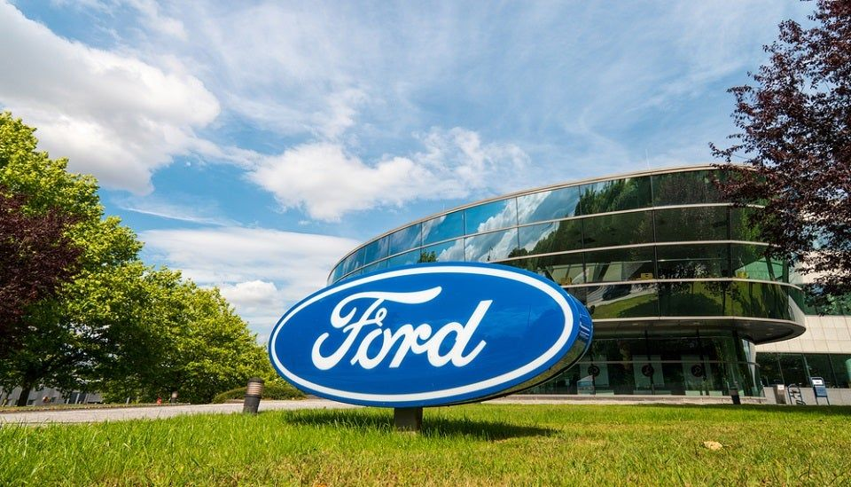 Ford Invests Over 1 45 Billion In 2 Plants Creating 3000 Jobs With Images Hybrid Car Ford Stock Self Driving