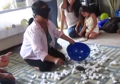 Baby Shower Games : Play With Cotton Balls
