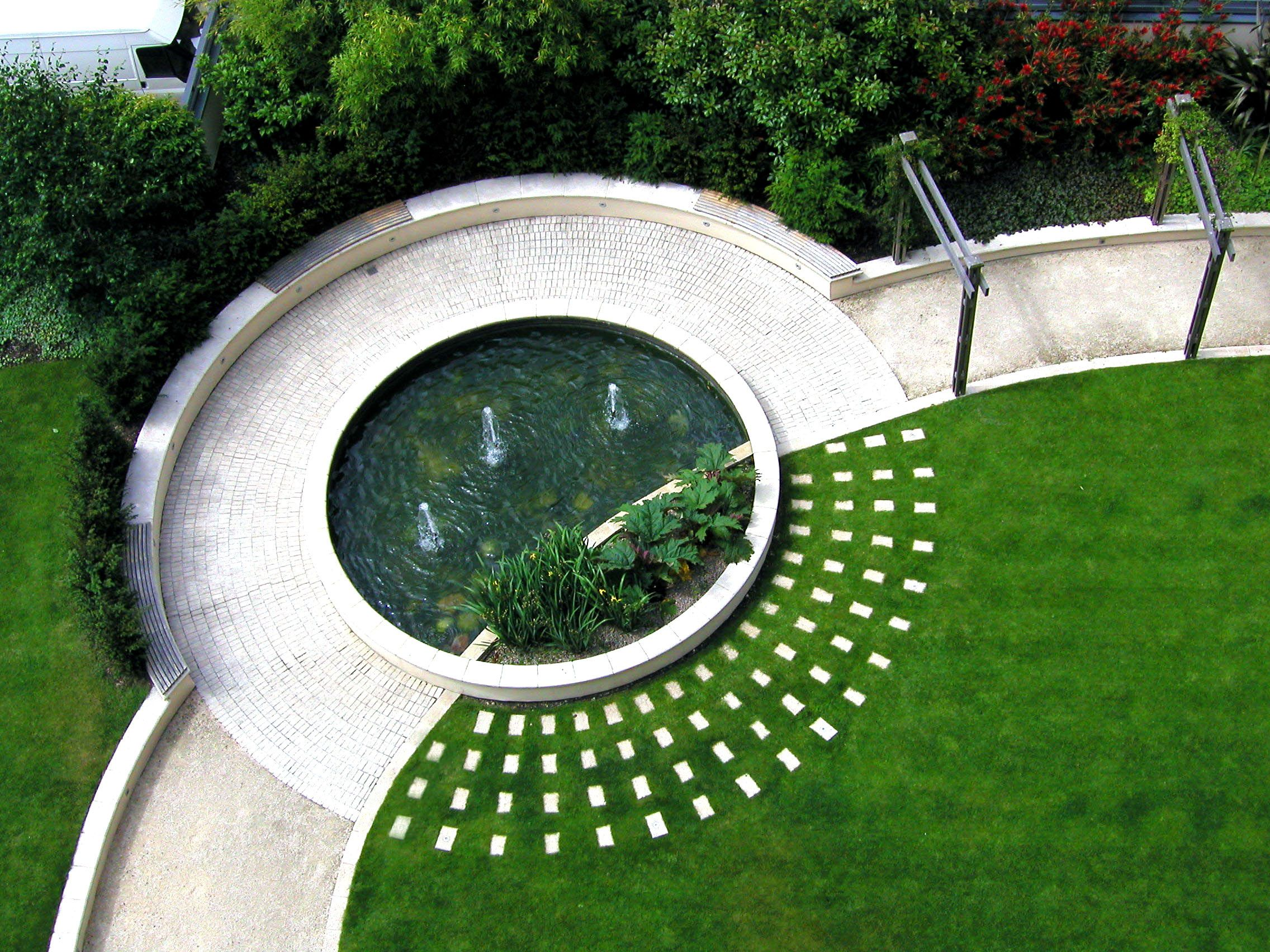 Roof terrace water feature circular paving lawn focal for Garden designs with water features