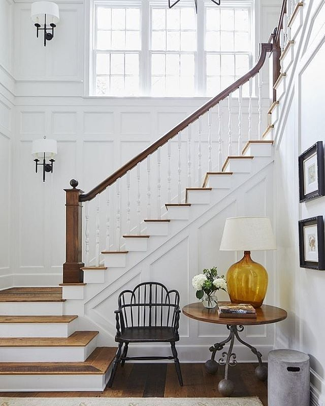 Make That Staircase Landing Gorgeous: Entry Ways & Staircases