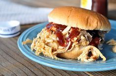 How to make pulled pork in a crock pot without bbq sauce