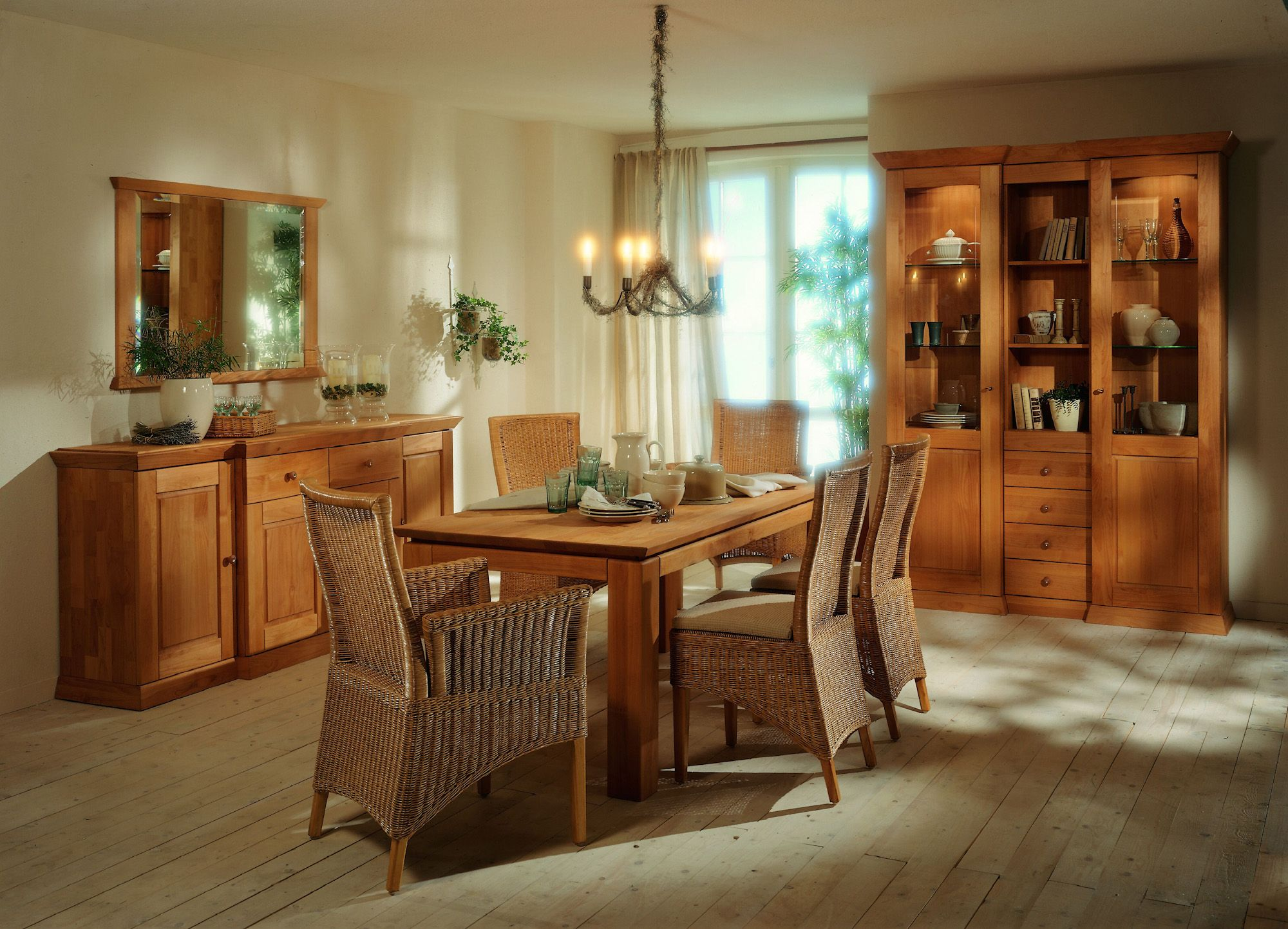 esszimmer massiv cheap esszimmer massiv with esszimmer massiv tischgruppe sitzgruppe esszimmer. Black Bedroom Furniture Sets. Home Design Ideas