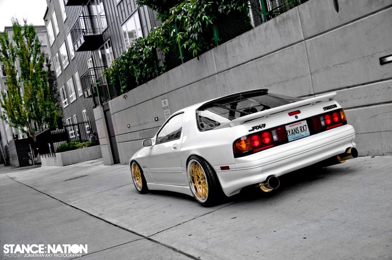 Really diggin' this White FC Mazda RX-7 | Japanese Cars | Mazda cars