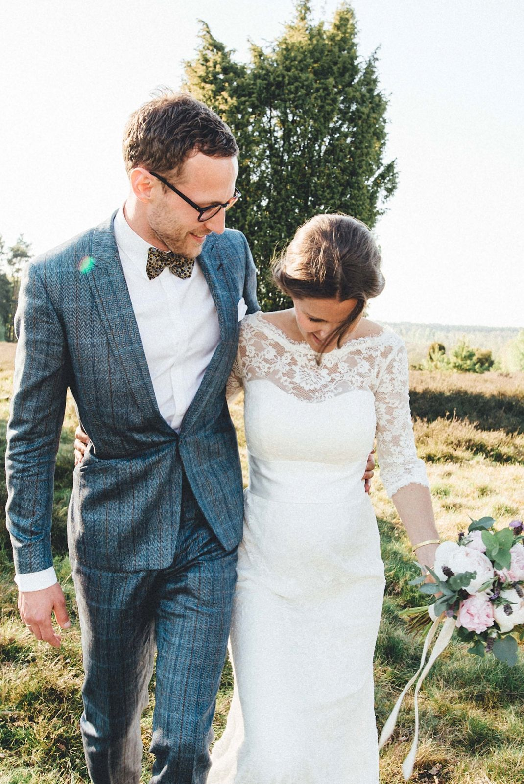 Groß Land Hochzeit Outfits Galerie - Brautkleider Ideen - cashingy.info