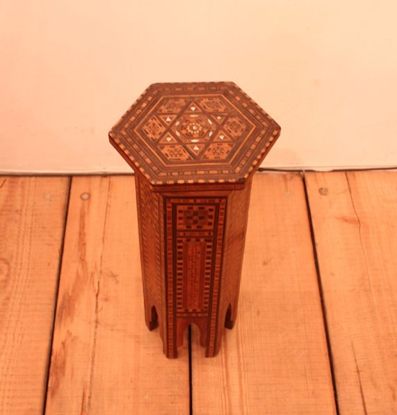 Very small inlaid hexagonal table 2s