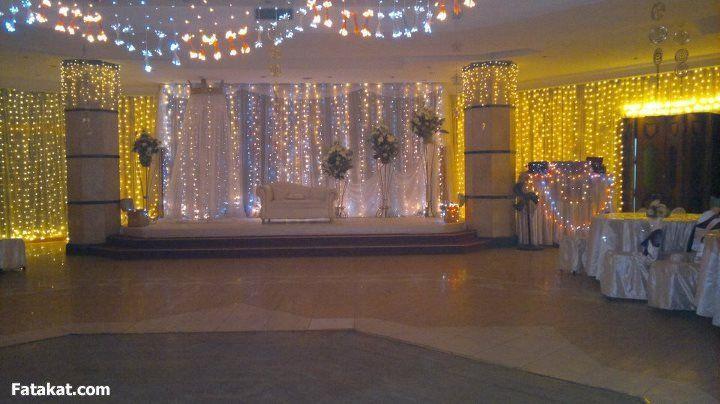 اعمل فرحك على النيل ب٢٥٠٠٠ فقط حفل زفاف بأفخم قاعات بالزاوية الحمراء قاعات العروسة قاعات العرس والعرائس فرح ستايل بواخر للأف Ceiling Lights Decor Chandelier
